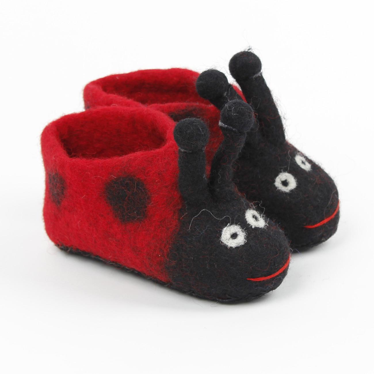 Slofjes - Kinder - Schoentje - Baby - Pantoffeltjes - maat 20 - (12-16 maanden) 12,3 cm - 1 paar - Lieveheersbeestje - Fairtrade - Vilt